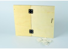 Plastic hinge for doors of nestboxes, carriers or wooden bird cages